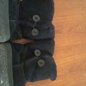 Black Fuzzy  Rim  Boots